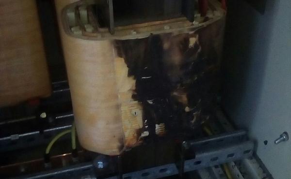 inizio incendio per scoppio condensatore